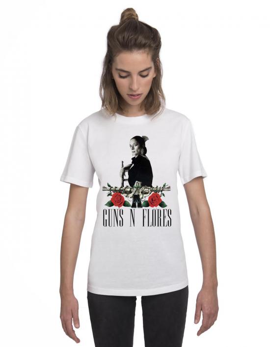 MLB-CW-Camiseta guns n flores