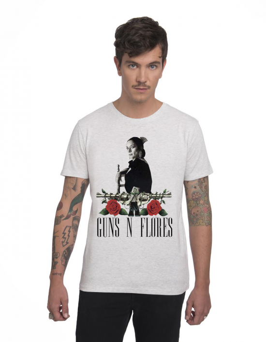 MCG-CM-Camiseta Guns n flores