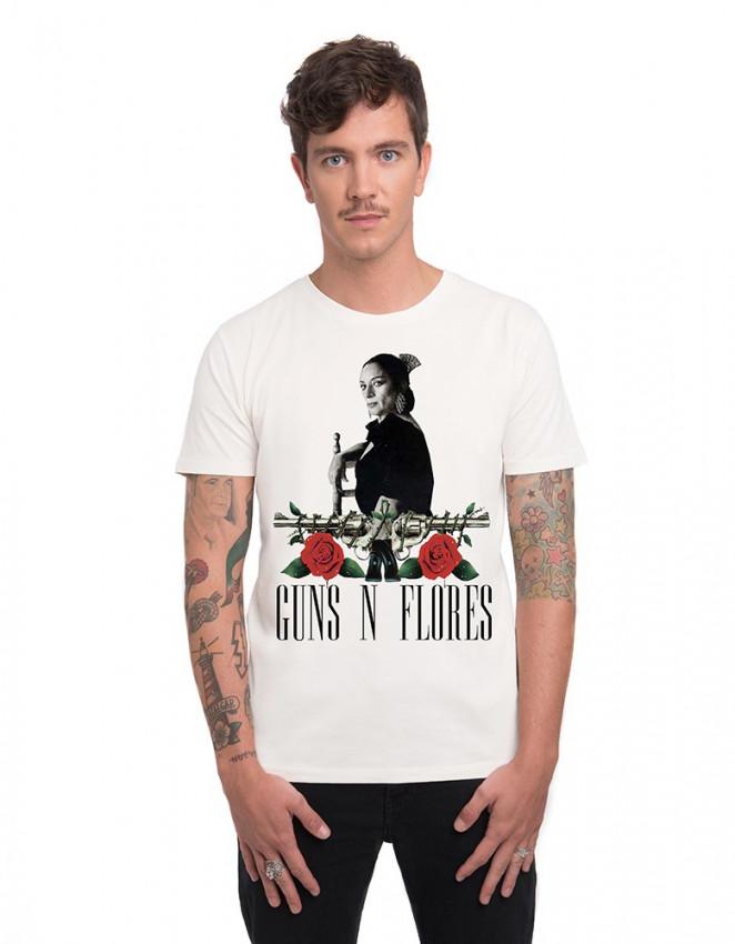 MCB-CM-Camiseta Guns n flores